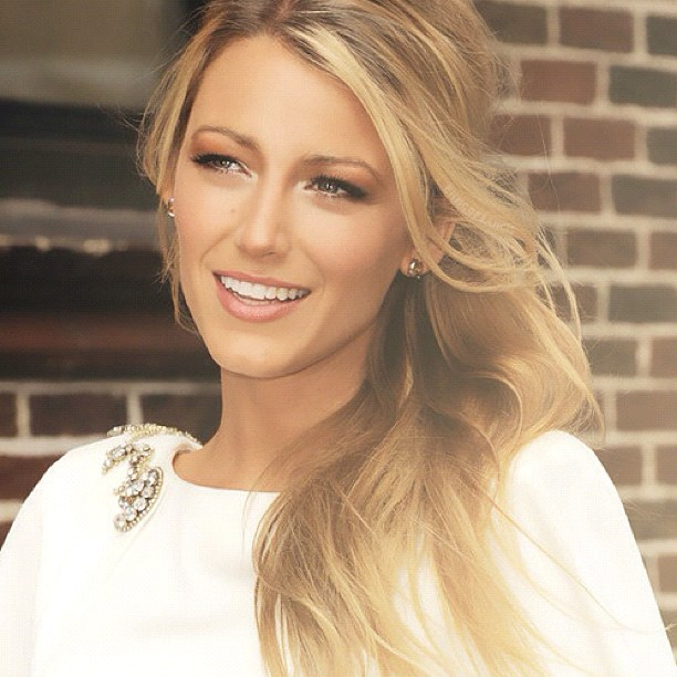 blake lively hot style auf instagram twitter tumblr ihr gewicht. Black Bedroom Furniture Sets. Home Design Ideas