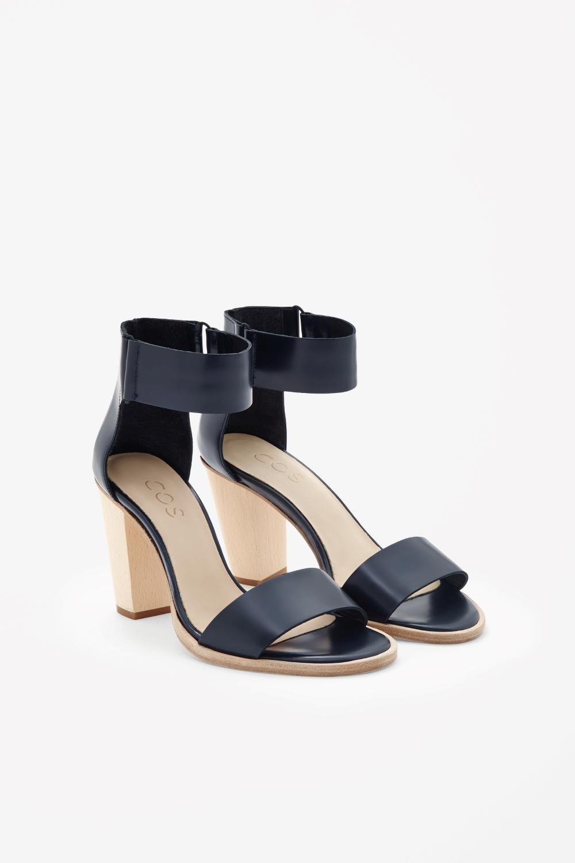COS Schuhe
